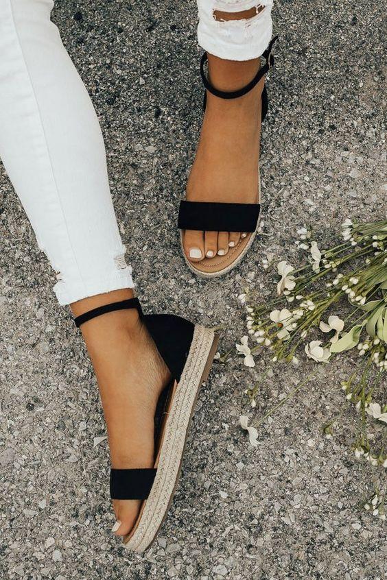5 моделей универсальных босоножек и сандалиев на лето 2019, выбор Наташи Стефаненко, cur.lt