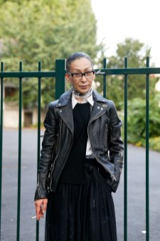 Chiodo in pelle: 5 modi per indossarlo over 40