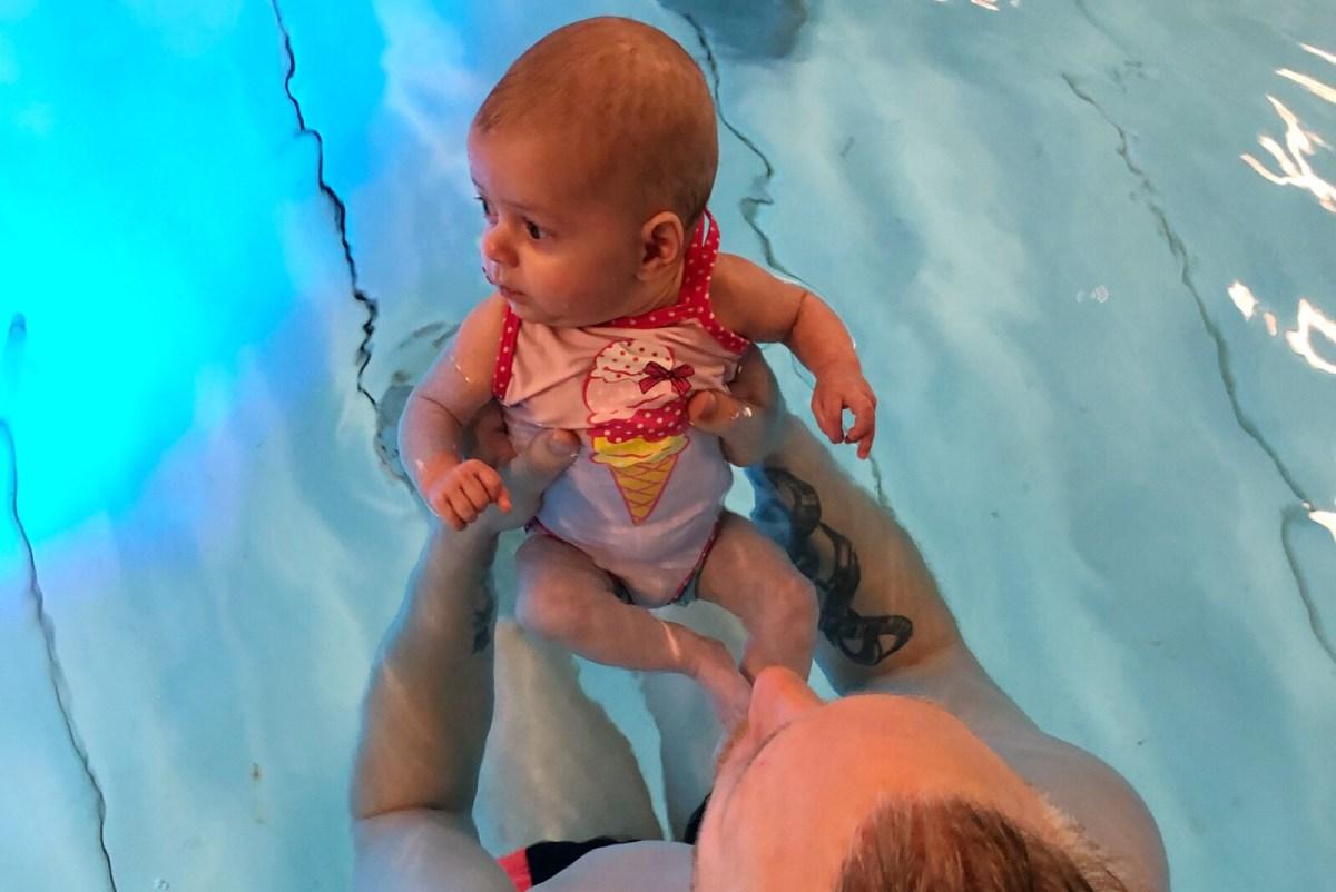 Wat heb je nodig als je met je baby gaat zwemmen?