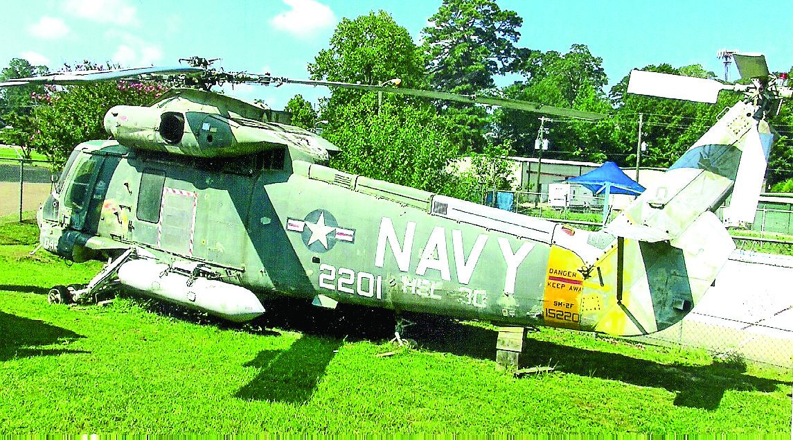 U.S. Navy helicopter on static display outside the museum. (Robertson Collection)