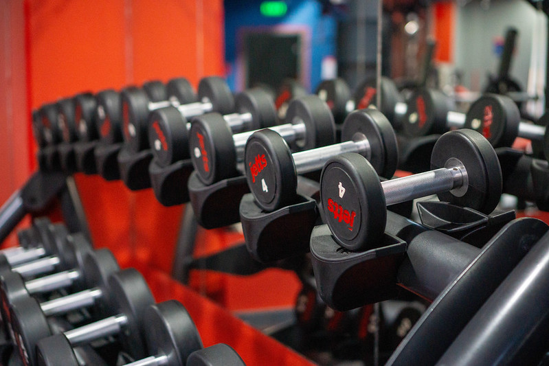 25 Minute Dumbbell Workout: Build Muscle And Burn Fat