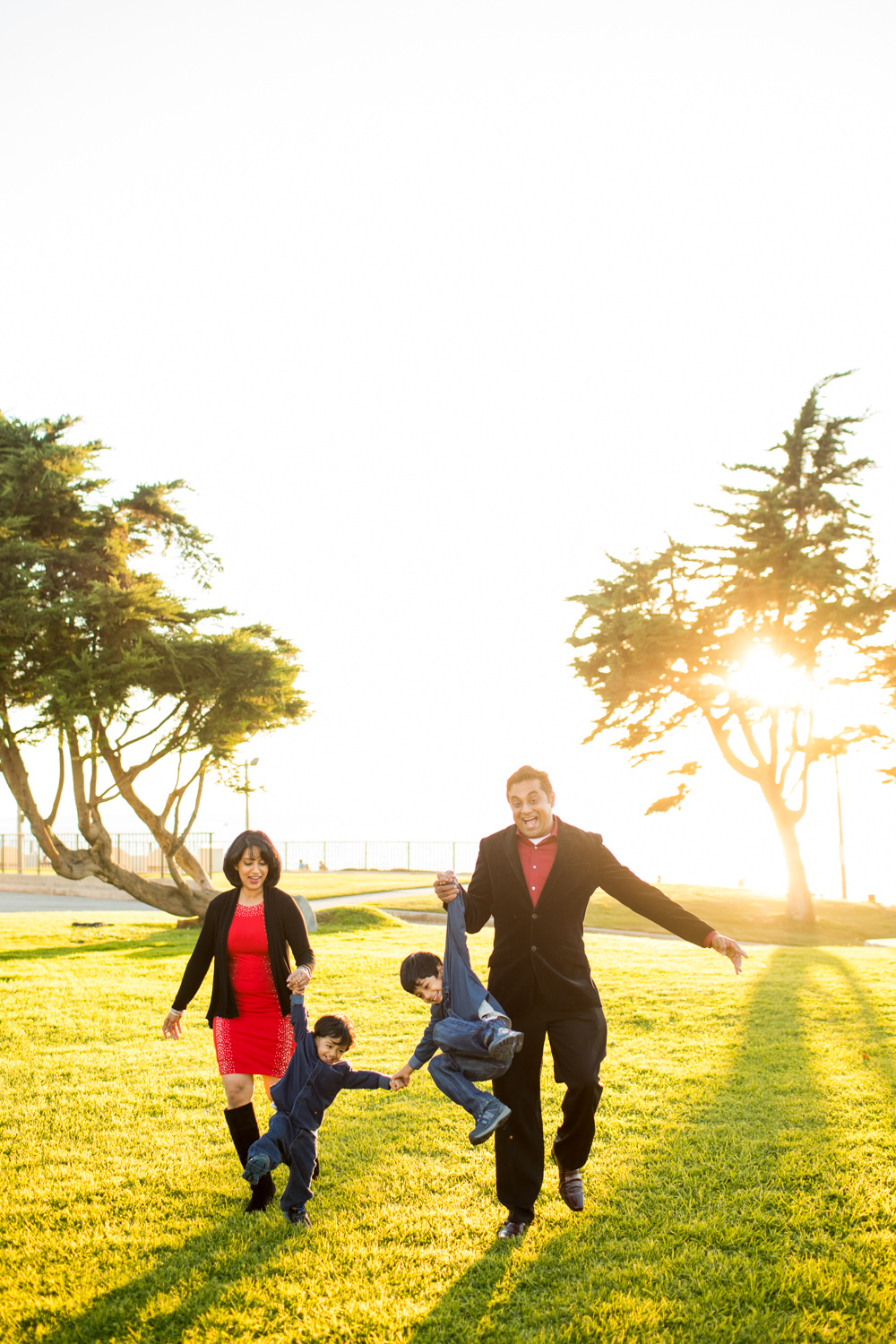 redondobeach-photographer-portraits-family-park-outdoor-sunset-_0009