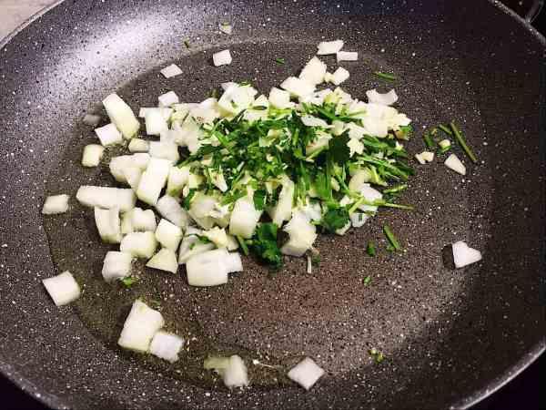 Onion and coriander for nepal dal bhat nationaldish