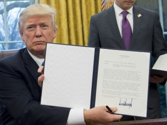 Donald Trump Signs Executive Order Scrapping TPP