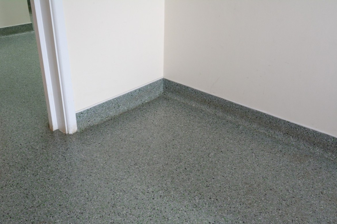 Seamless finish between floor and wall
