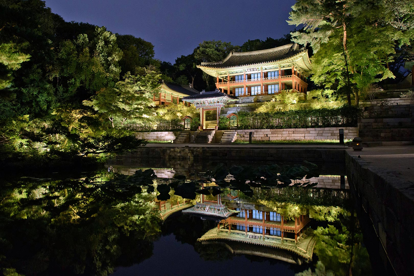 Picture of Changdeokgung Palace at night, Seoul, South Korea