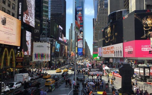 """Decizie controversată a oficialilor din New York: Amenzi de 250.000 de dolari pentru folosirea expresiilor """"străin ilegal"""" și """"du-te înapoi în țara ta!"""""""