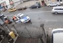 Barbat batut de un echipaj de Politie pentru ca nu purta masca si bagat cu forta in autospeciala / VIDEO