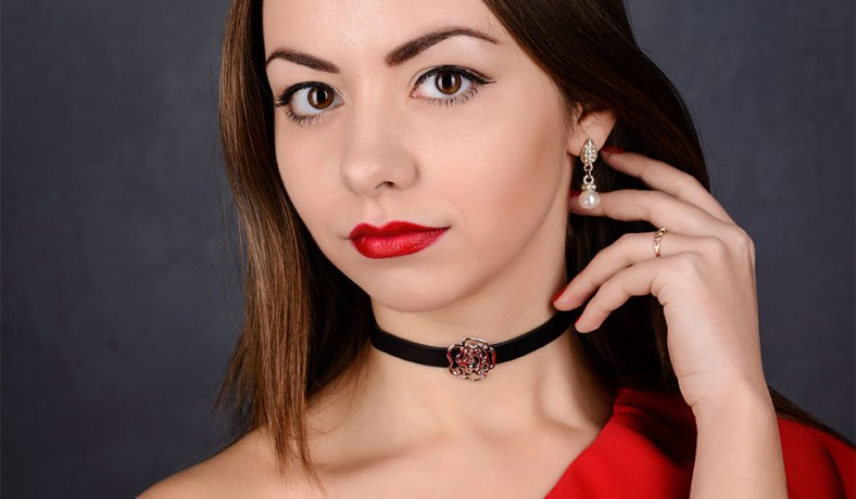 College Student Choker Necklaces Trend Offensive To Switzerland