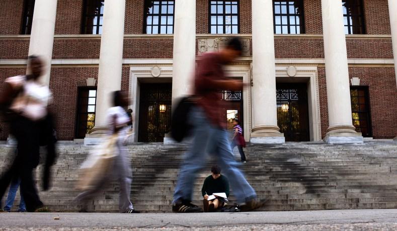 Harvard's Ban on Single-Sex Organizations Hurts Women