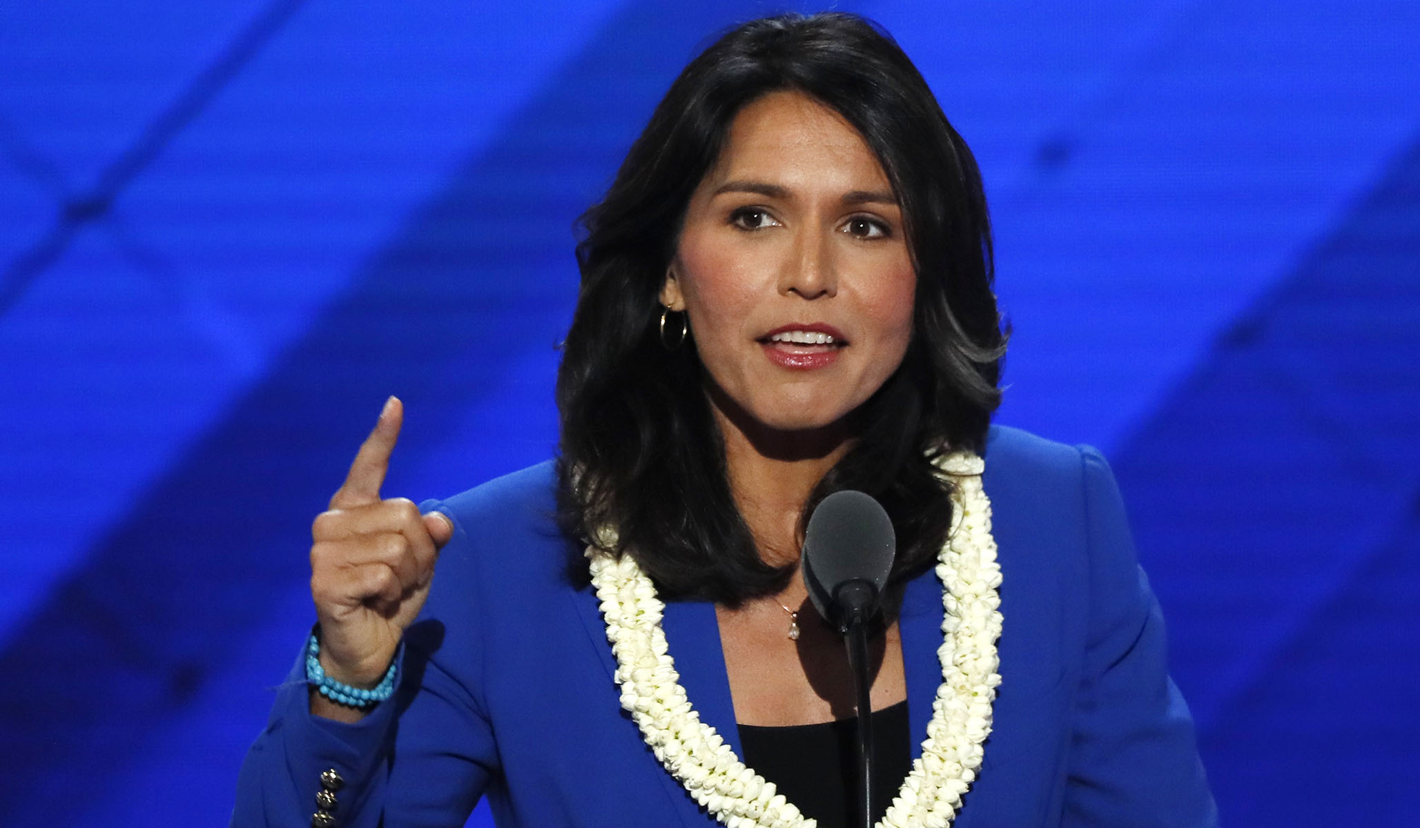 Bernie Sanders Dismisses Clinton's 'Outrageous' Claim that Gabbard Is a 'Russian Asset'