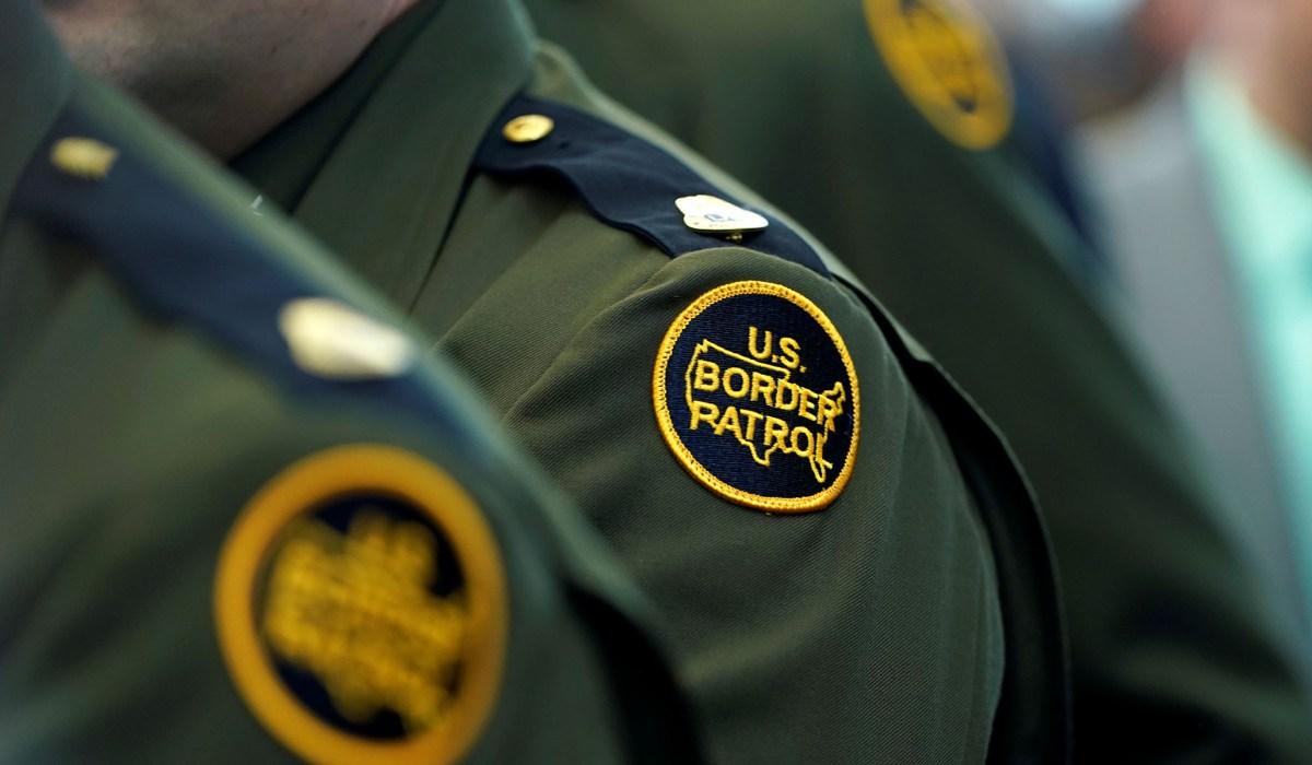 Border Patrol Stopped a Chinese Biologist Carrying Viable SARS, MERS Viruses at Detroit Airport in 2018 | National Review