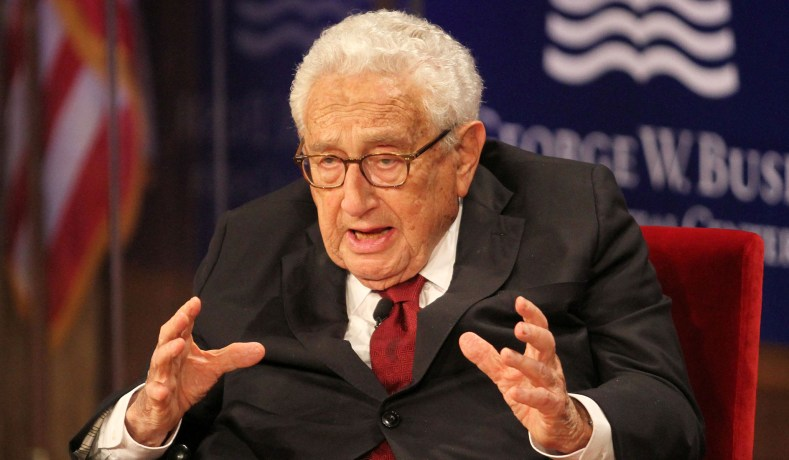 Henry Kissinger, Shouted Down at NYU, Addresses Yale's WFB Society