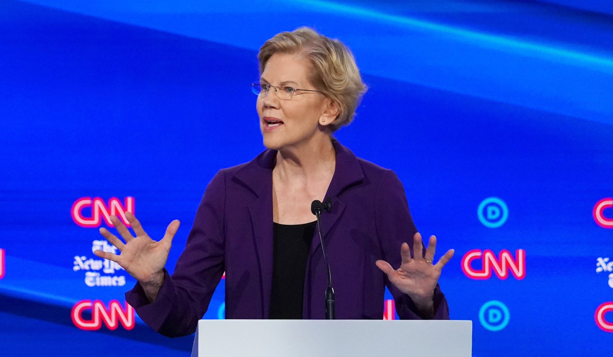 Warren Lags in Endorsement Race