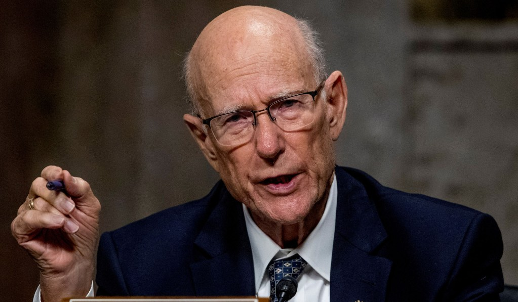 Sen. Pat Roberts Celebrates Opening of Eisenhower Memorial after 'Terribly Counterproductive' Summer of Toppled Monuments