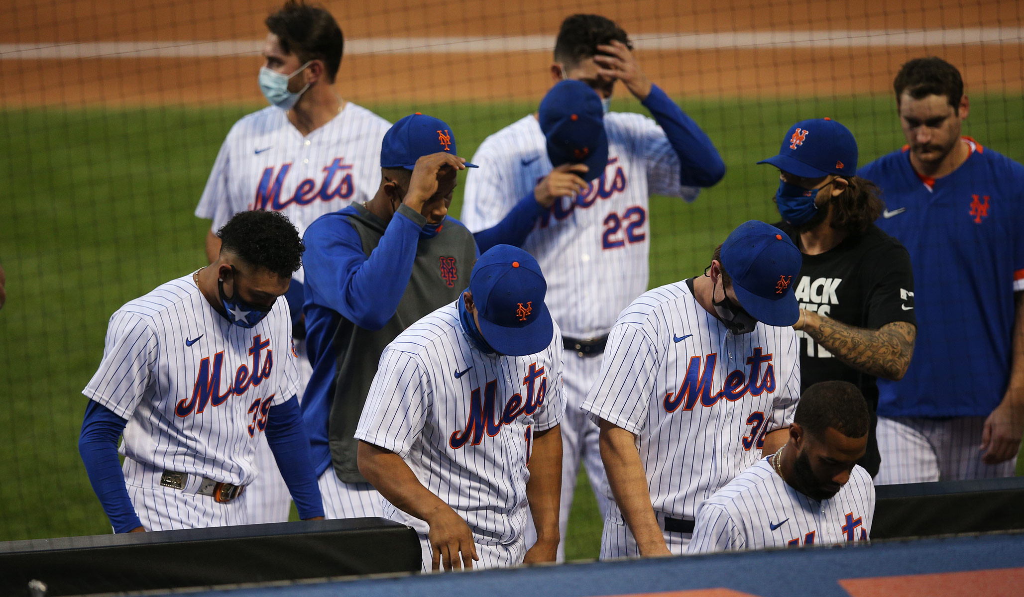 Mets, Marlins Walk Off Field in Protest, Leave BLM Shirt on Home Plate thumbnail