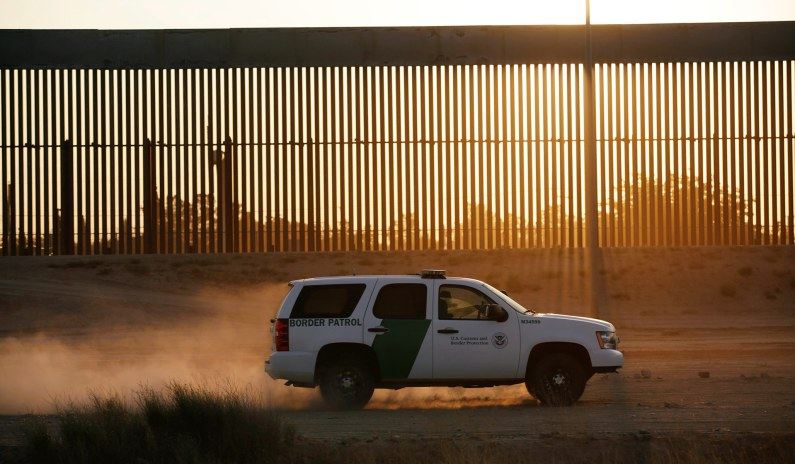 <p>Governor Abbott Announces Plan for Texas to Build Its Own Border Wall thumbnail