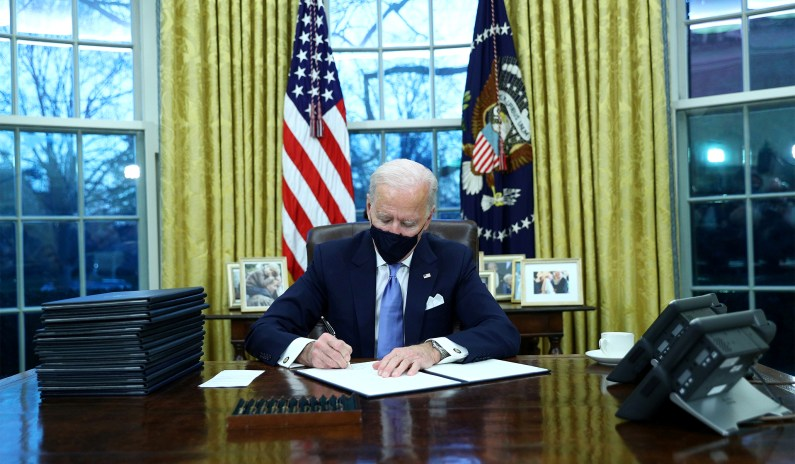 Biden Marks Selma Anniversary with Executive Order to Expand Voting Access thumbnail