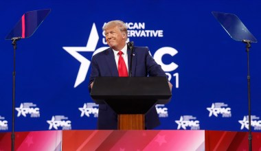 Trump Calls Third-Party Speculation 'Fake News' in CPAC Speech