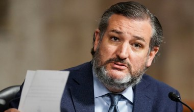 Protestors Arrested for Trespassing at Ted Cruz's Texas Home