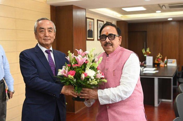 japanese_ambassador_kenji_hiramatsu_and_cabinet_minister_dr_mahendra_nath_pandey
