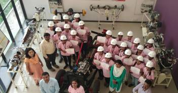 pink_collars_initiative_from_mahindra_&_mahindra_to_recruit_women_in_their_workshopsjpg