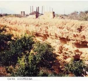 Il tufo arenario. Una pietra venuta dal mare