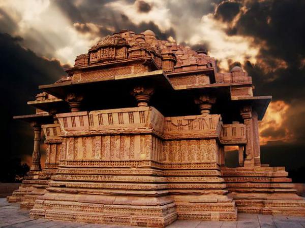 एक ही चट्टान से बनाया गया है शिवलिंग, देखें भोजेश्वर मंदिर स्थित शिवलिंग