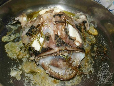 testa di rana pescatrice al forno