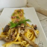 Pici alla zucca con funghi pioppini e salsiccia per TIPI DA PICI e l'AIFB