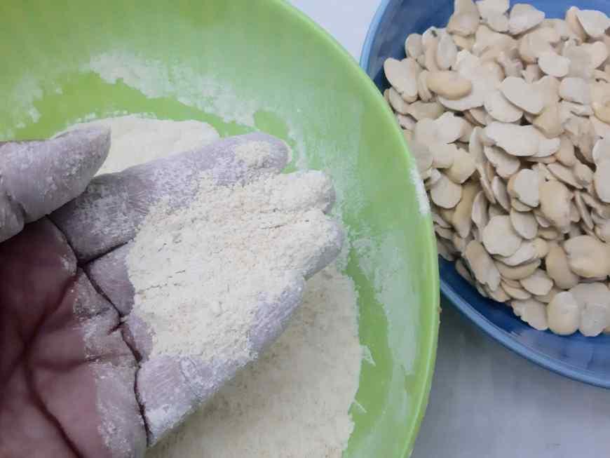 farina di fave secche macinate a casa