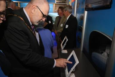 The Mayor tries his hand at some air traffic control games