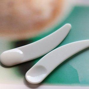 Stybelle Stybelle Grattoir à cuillère en plastique blanc mini grattoir à masque cosmétique