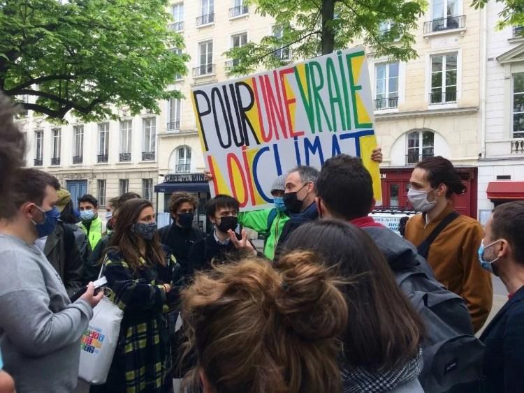 Place Herriot, Raphaël Glucksmann parle loi climat