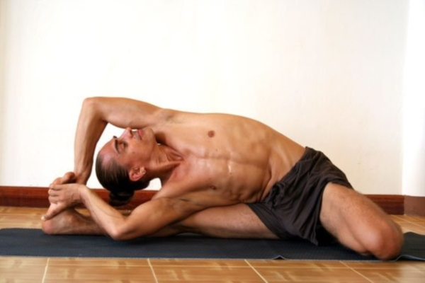 Ashtanga yoga improves thyroid gland