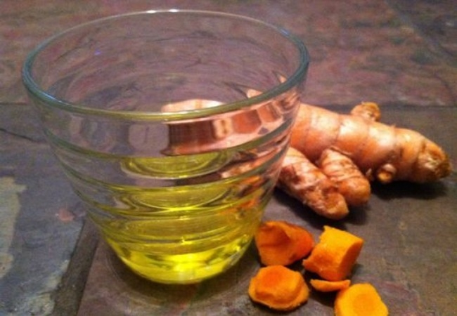 Turmeric Paste And Vitamin E Oil
