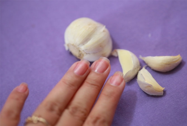 garlic to rub on your nails