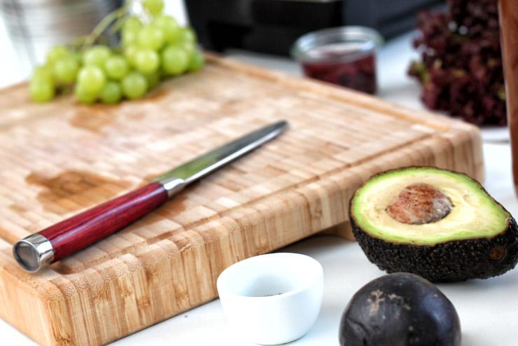 Algen, Feigen und Kombucha - Ein exotischer Smoothie mit Cranberries, Avocado und Minze - Die Zutaten