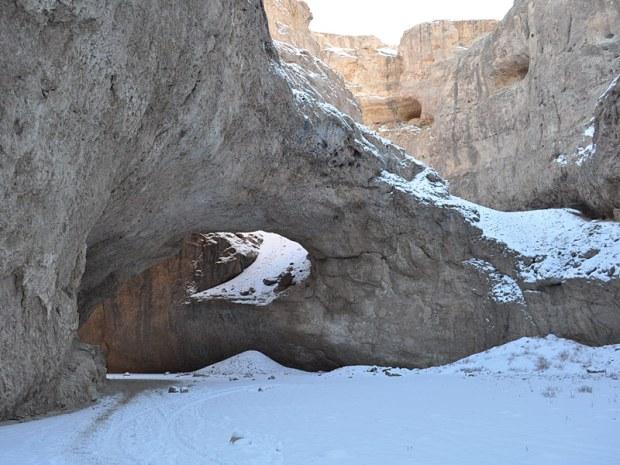 د نړی تر ټلولو جګ طبیعي پل (هزار چشما) په افغانستان کې
