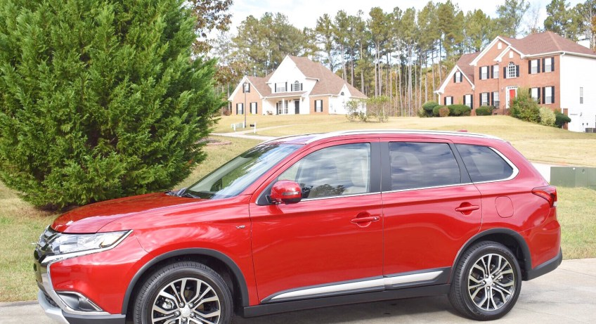 """2018 Mitsubishi Outlander GT S-AWC"" ""Car Review"" ""Naturalbabydol"" ""Car"" ""Drive Shop"" ""Atlanta"" ""Travel"" ""Family Travel"""