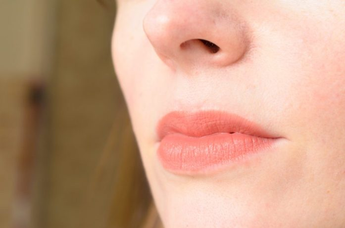 Avril Lipstick in Corail swatch