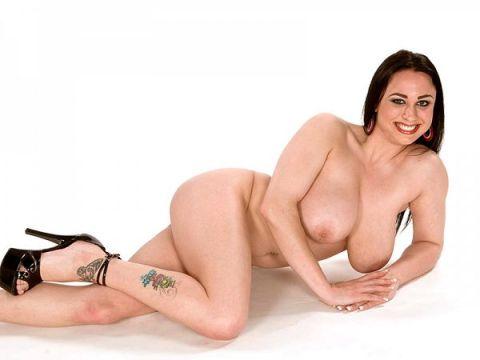 isis haze big boobs dancer