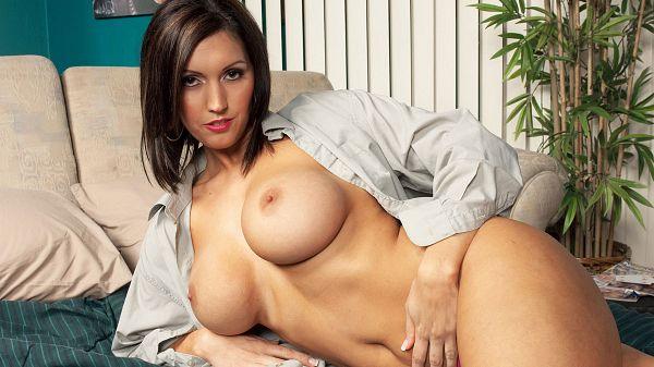 Milf big tits model Dylan Ryder natural sexy tits video porn