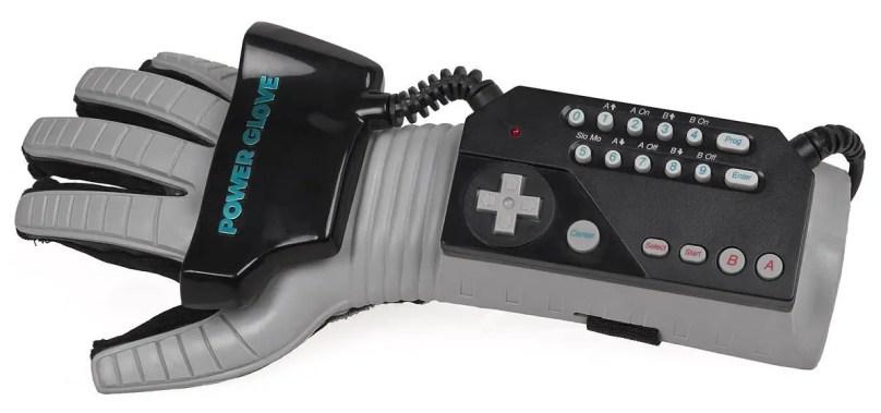 Power Glove, il guantone Nintendo diventa controller HTC Vive