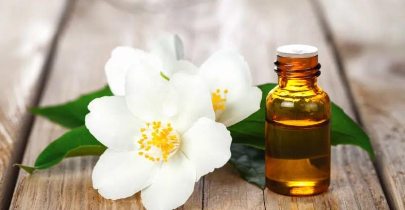 13 Surprising Benefits Of Jasmine Essential Oil
