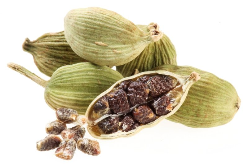 13 Amazing Health Benefits of Cardamom