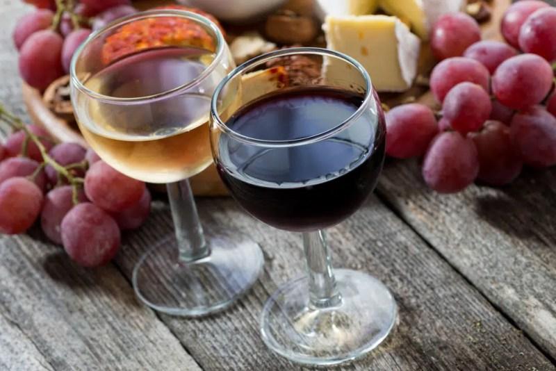 13 Surprising Health Benefits of Wine