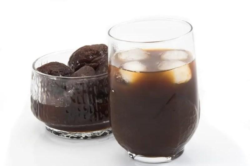 13 Amazing Benefits of Prune Juice