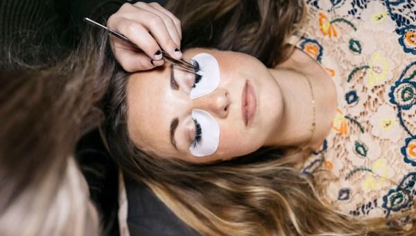 Problems With Eyelash Damages
