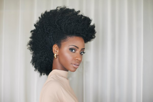 Teyonah-Parris-Red-Carpet-Hair-Frohawk